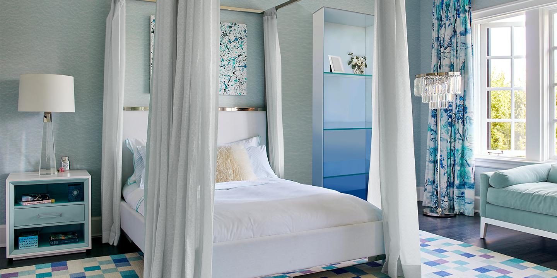 sunset-blue-ombre-shelf-in-bedroom